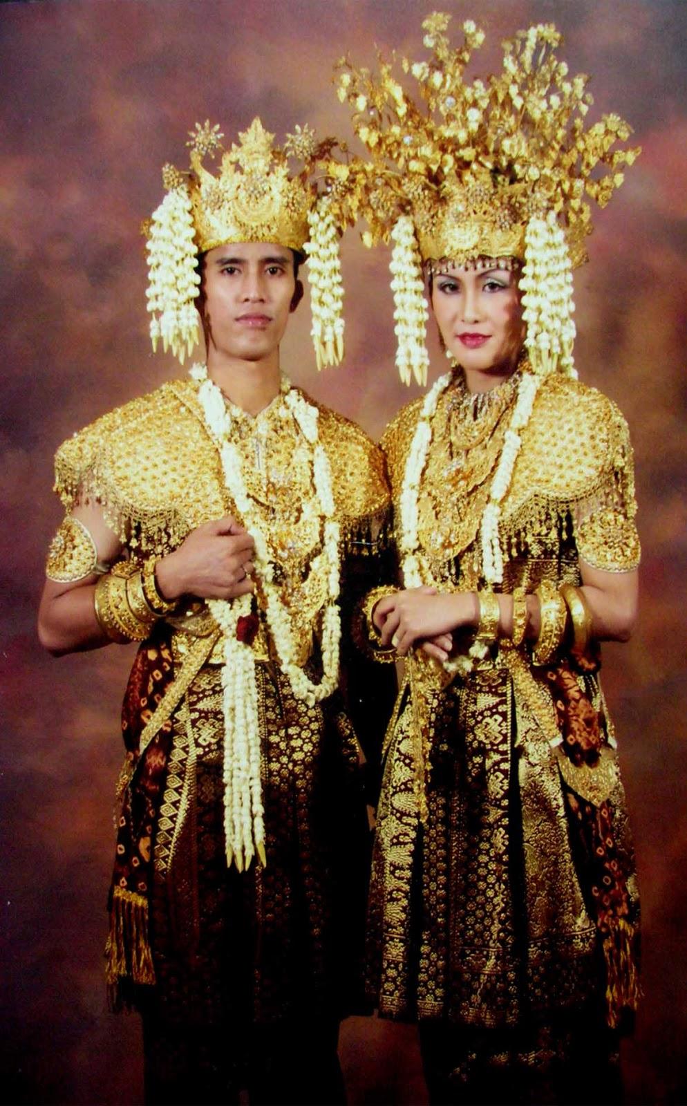 Jenis Pakaian Adat Sumatera Barat